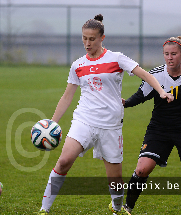 20141126 - TUBIZE , BELGIUM : Turkish Ebru Topcu pictured during the Friendly female soccer match between Women under 19 / 21  teams of  Belgium and Turkey .Wednesday 26th November 2014 . PHOTO DAVID CATRY