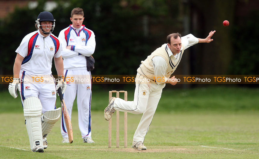 - Hornchurch Athletic CC vs Galleywood CC, Essex Club Cricket at Hylands Park, Hornchurch - 18/05/13 - MANDATORY CREDIT: Rob Newell/TGSPHOTO - Self billing applies where appropriate - 0845 094 6026 - contact@tgsphoto.co.uk - NO UNPAID USE.