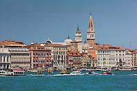 Italie, Vénétie, Venise:  Canal de la Giudecca, Hôtel Danieli et Église San Zaccaria   // Italy, Veneto, Venice:  Giudecca Canal,  Hôtel Danieli  and San Zaccaria church