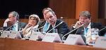 UTRECHT _ Algemene Ledenvergadering Utrecht, van de KNHB.  KNHB directeur Erik Gerritsen en links Erik Cornelissen.   COPYRIGHT KOEN SUYK