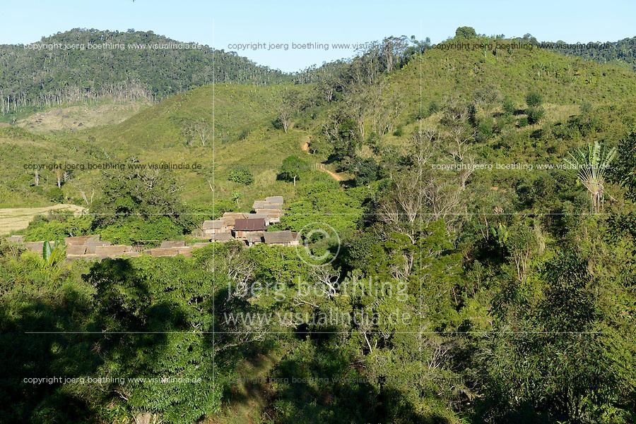 MADAGASCAR Region Mananjary, Vohilava, deforestation for farming / MADAGASKAR Region Mananjary, Vohilava, durch Brandrodung abgeholzte Flaechen