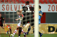 EMMEN - Voetbal, FC Emmen - SC Cambuur, Jens Vesting, Jupiler League, seizoen 2017-2018, 06-10-2017,  FC Emmen speler Cas Peters scoort de 1-0