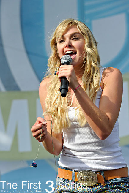 Laura Bell Bundy performs at LP Field during the 2012 CMA Music Festival on June 09, 2012 in Nashville, Tennessee.