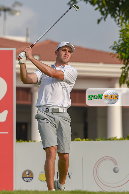 Luke BROWN (NZL) watches his tee shot on 12 during Rd 2 of the Asia-Pacific Amateur Championship, Sentosa Golf Club, Singapore. 10/5/2018.<br /> Picture: Golffile | Ken Murray<br /> <br /> <br /> All photo usage must carry mandatory copyright credit (© Golffile | Ken Murray)