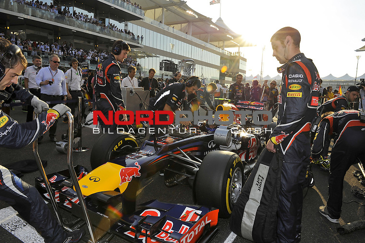 01.-04.11.2012, Yas-Marina-Circuit, Abu Dhabi, UAE, Grosser Preis von Abu Dhabi, im Bild Mark Webber (AUS), Red Bull Racing <br />  Foto &copy; nph / Mathis