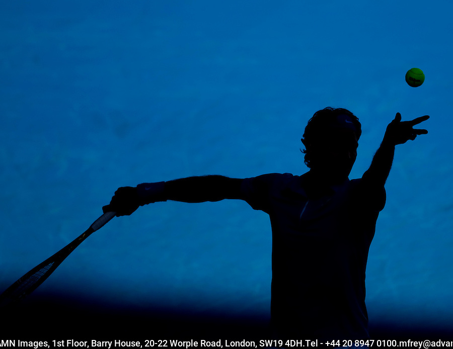 Nikolay Davydenko (RUS) (6) against  Roger Federer (SUI) (1) in the Quarter Finals of the Mens Singles. Federer beat Davydenko 2-6 6-3 6-0 7-5..International Tennis - Australian Open Tennis -  Wednesday 27th  Jan 2010 - Melbourne Park - Melbourne - Australia ..© Frey - AMN Images, 1st Floor, Barry House, 20-22 Worple Road, London, SW19 4DH.Tel - +44 20 8947 0100.mfrey@advantagemedianet.com