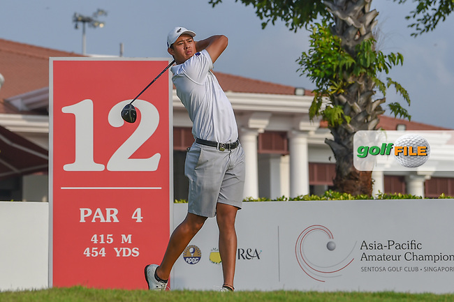 Denzel IEREMIA (NZL) watches his tee shot on 12 during Rd 2 of the Asia-Pacific Amateur Championship, Sentosa Golf Club, Singapore. 10/5/2018.<br /> Picture: Golffile | Ken Murray<br /> <br /> <br /> All photo usage must carry mandatory copyright credit (© Golffile | Ken Murray)