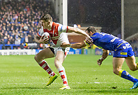 Picture by Allan McKenzie/SWpix.com - 09/03/2018 - Rugby League - Betfred Super League - Warrington Wolves v St Helens - Halliwell Jones Stadium, Warrington, England - Mark Percival fends off Tyrone Roberts.