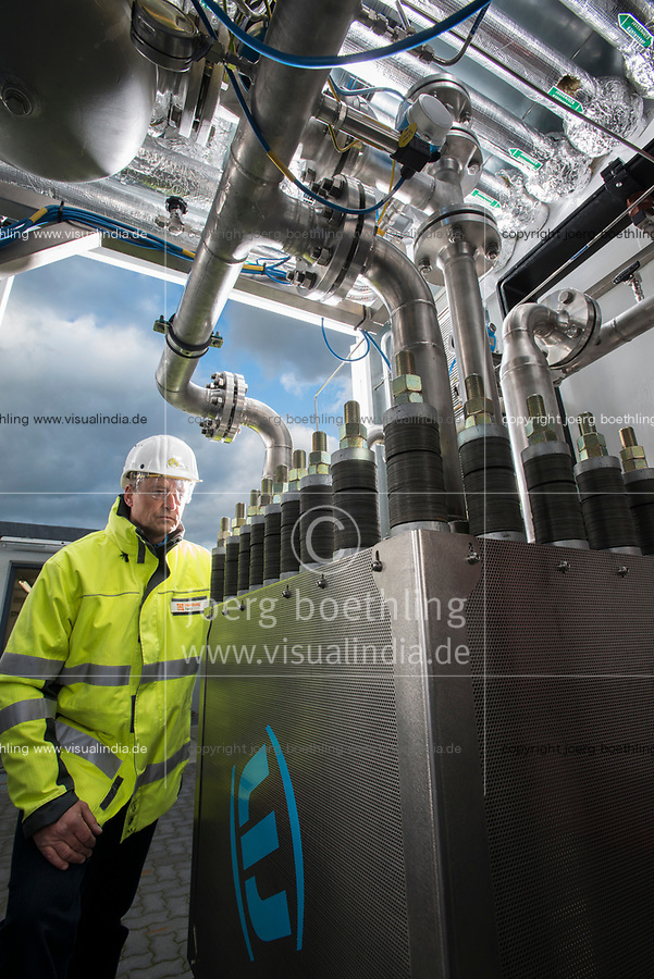 GERMANY, Hamburg Reitbrook, Eon Hansewerk, Power to Gas unit for storage of wind power by PEM electrolysis to feed converted hydrogen into the gas net / DEUTSCHLAND, Hamburg Reitbrook, Eon Hansewerk, Power to Gas Anlage speist aus ueberschuessigen Windstrom mittels PEM Elektrolyse (Proton Exchange Membran) umgewandelten Wasserstoff in das Erdgasnetz ein
