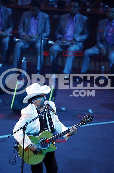 El compositor y cantante de musica ranchera, Joan Sebastian en  su presentación en el palenque de la Feria de Leon/Guanajuato2012...27/ene/2012..***Foto:staff/NortePhoto**