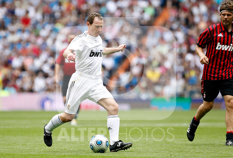 Madrid (30/05/10).- Estadio Santiago Bernabeu..Corazon Classic Match 2010.Real Madrid Veteranos 4- Milan Glorie 3.Emilio Butragueno...Photo: Alex Cid-Fuentes/ ALFAQUI.