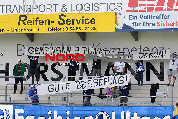 07.09.2019, Stadion am Lotter Kreuz, Lotte, GER, RLW, SF Lotte vs. RW Oberhausen<br /> <br /> im Bild<br /> Banner / Plakat Fankurve / Fans / Fanblock / SF Lotte<br /> <br /> <br /> Foto © nordphoto / Paetzel
