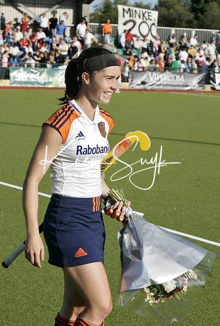 NLD-20050816-DUBLIN- EK HOCKEY dames. Nederland-Frankrijk. Minke Smabers speelde dindag tegen Frankrijk haar 200ste  interland. Smabers heeft na Donners de meeste interlands gespeeld. ANP FOTO/KOEN SUYK