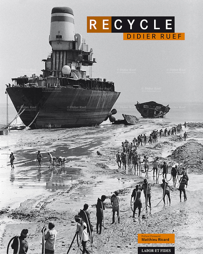 Recycle, published in 2011 by Labor et Fides ( french -english languages). 24x32 cm, 320 pages. Hard cover. 238 B&W Duplex. Photography Didier Ruef. Texts: Matthieu Ricard, Jean-Michel Cousteau, Bertrand Charrier. Carried out between 1991 and 2008 on the themes of waste and recycling, Didier Ruef captured a variety of situations which reveals the face of humanity behind the waste it produces, recycles or has to endure. The work of a committed photographer, which urge the reader to understand and act, more forcefully than conventional calls, to protect the environment. For centuries man has recovered and recycled the residues of his productive activities. Then came the era of waste as everyday companion. Our affluent societies are fueling the growing production of goods without taking into account the waste that generates in itself, becoming an industry whose purpose is its elimination. Today, faced with demographic and economic growth and the increasing fragility of the ecosystems, it is no longer possible to bury our refuse and toxic waste with the illusion that we have disposed of it forever, that it has been irreversibly sterilised. © 2011 Didier Ruef