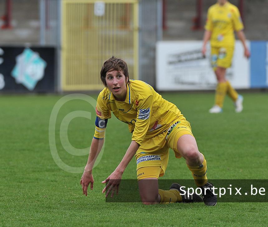 WB Sinaai Girls - Lommel United : Katrijn Windey.foto Joke Vuylsteke / Vrouwenteam.be