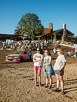 Supporters and fans of the U.S. Open Bowfishing Championship, Saturday, May 3, 2014. <br /> <br /> Photo by Matt Nager