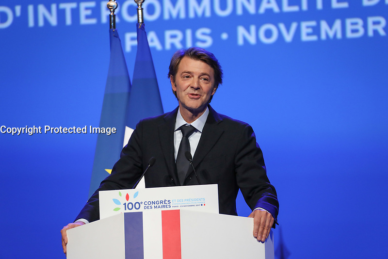 FRANCOIS BAROIN (PRESIDENT DE L'ASSOCIATION DES MAIRES DE FRANCE) - LA SEANCE DE CLOTURE DU 100EME CONGRES DES MAIRES DE FRANCE A PARIS, FRANCE, LE 23/11/2017.