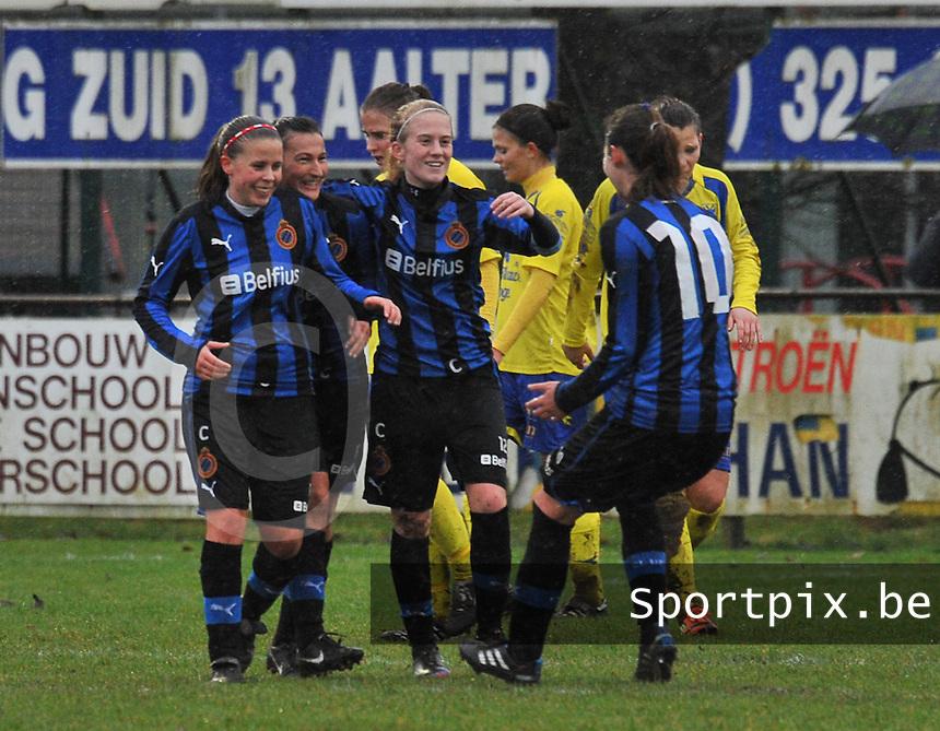Club Brugge - STVV : vreugde bij Nina Vindevoghel , Evy De Smedt en Silke Demeyere bij een doelpunt.foto Joke Vuylsteke / Vrouwenteam.be