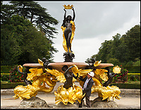 Blenheim's stunning golden fountain restored.