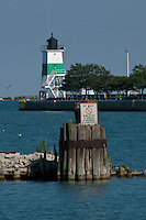 Chicago Harbor Southeast Guidewall Light