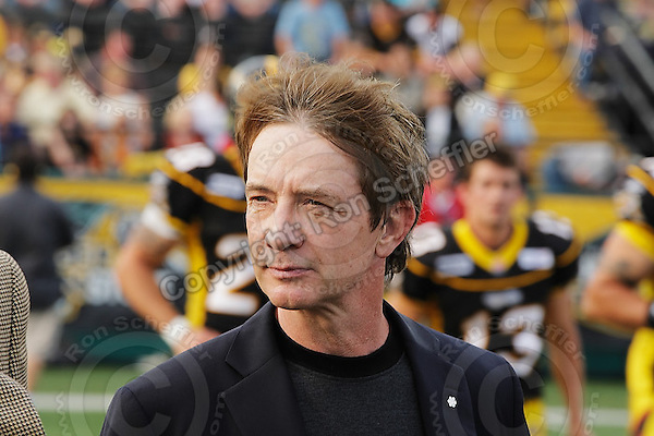 June 26, 2008; Hamilton, ON, CAN; Canadian actor and comedian Martin Short performs the coin toss to open the CFL football game between the Montreal Alouettes and Hamilton Tiger-Cats at Ivor Wynne Stadium. Montreal won 33-10. Mandatory Credit: Ron Scheffler-www.ronscheffler.com. Copyright (c) Ron Scheffle