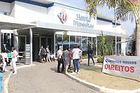 CAMPINAS, SP 17.06.2019 - GREVE - Funcionários do Hospital Metropolitano de Campinas (SP) entraram em greve nesta segunda-feira (17). Eles reivindicam o pagamento de parte dos salários atrasados de maio e a entrega da cesta básica. Eles também querem o fim dos parcelamentos dos salários e 13º.<br /> De acordo com o Sindicato dos Empregados em Estabelecimentos de Serviços de Saúde de Campinas (Sinsaúde), eles estão mantendo 30% do atendimento, para não parar a unidade totalmente.  (Foto: Denny Cesare/Código19)