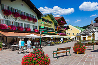 Oesterreich, Salzburger Land, Tennengau, im Lammertal, Abtenau: Marktplatz im Ortszentrum | Austria, Salzburger Land, Tennengau, Valley Lammertal, Abtenau: market square in town centre