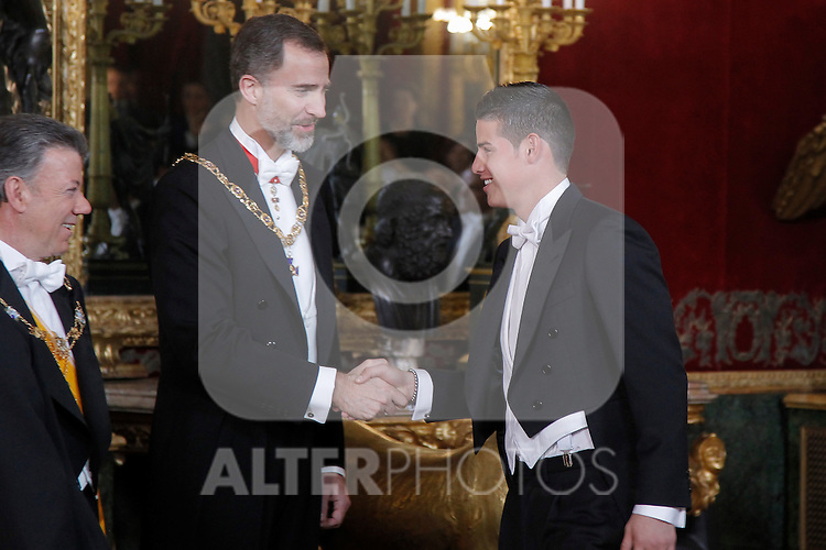 Spanish Royals host a dinner for the Colombian President Juan Manuel Santos and his wife Maria Clemencia Rodriguez in Madrid, Spain. In the pic: King Felipe VI of Spain and James Rodriguez. March 02, 2015. (Jose Luis Cuesta/POOL/ALTERPHOTOS)
