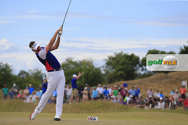 Ian Poulter (ENG) tees off the 4th tee during Thursday's Round 1 of the 2015 U.S. Open 115th National Championship held at Chambers Bay, Seattle, Washington, USA. 6/18/2015.<br /> Picture: Golffile | Eoin Clarke<br /> <br /> <br /> <br /> <br /> All photo usage must carry mandatory copyright credit (&copy; Golffile | Eoin Clarke)