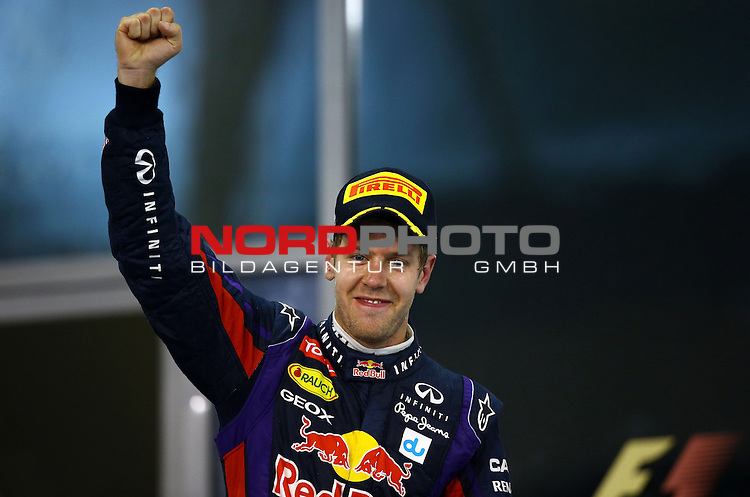 01.-03.11.2013, Yas-Marina-Circuit, Abu Dhabi, UAE, Grosser Preis von Abu Dhabi, im Bild Sebastian Vettel (GER), Red Bull Racing <br /> for Austria &amp; Germany Media usage only!<br />  Foto &copy; nph / Mathis