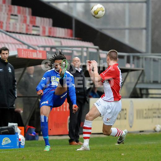 EMMEN - Voetbal, FC Emmen - FC Volendam, Jens Vesting, seizoen 2013-2014, 01-03-2014,   omhaal van FC Volendam speler Brandley Kuwas