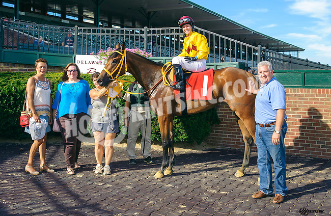 Wanna Follow Me winning at Delaware Park on 8/15/16