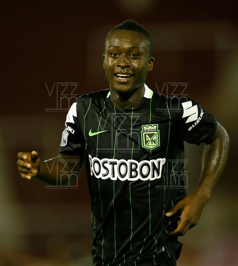 BUENOS AIRES - ARGENTINA - 24-02-2016: Marlos Moreno jugador de Atletico Nacional de Colombia,  celebra el gol anotado a Huracan de Argentina, durante partido de la Primera Fecha del Grupo 4 por la Segunda Fase, entre Huracan y Atletico Nacional de la Copa Bridgestone Libertadores 2016 en el Estadio Tomas A Duco, de la ciudad de Buenos Aires.  / Marlos Moreno, player of Atletico Nacional of Colombia, celebrates a goal scored against Huracan of Argentina, during a match for the first date of the Group 4 for the second phase between Huracan and Atletico Nacional of Colombia for the Bridgestone Libertadores Cup 2016, in the Tomas A Duco, Stadium, in Buenos Aires city. Photo: Photogamma / Javier Garcia Martino / VizzorImage / Cont
