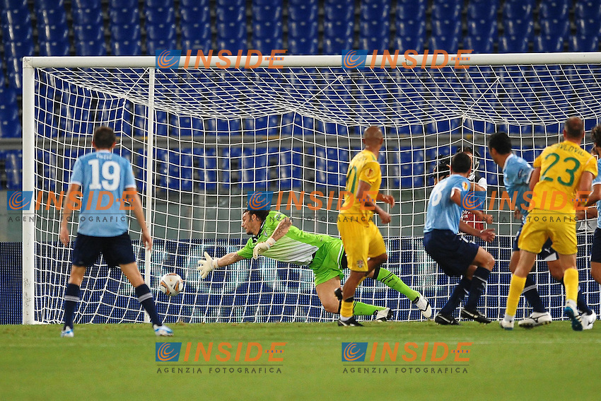 WESLEY (C) of Vaslui scores 1-1.Il gol di WESLEY 1-1.Roma 15/9/2011 Stadio Olimpico.Football Calcio Europa League 2011/2012.Lazio Vs Vaslui.Foto Insidefoto Andrea Staccioli