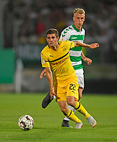 20.08.2018, Football DFB Pokal 2018/2019, 1. round, SpVgg Greuther Fuerth - Borussia Dortmund, Sportpark Ronhof in Fuerth. Christian Pulisisc (li, Dortmund)  -  Lukas Gugganig (Greuther Fuerth) <br />