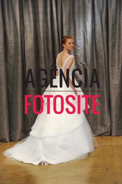 Nova Iorque, EUA &ndash; 10/2013 - Desfile de Judd Waddell durante a Semana de Moda Noiva - Inverno 2014. <br /> Foto: FOTOSITE