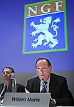 ALV 2007 van de NGF. NGF voorzitter Willem Maris met Henk Heijster, direkteur NGF.