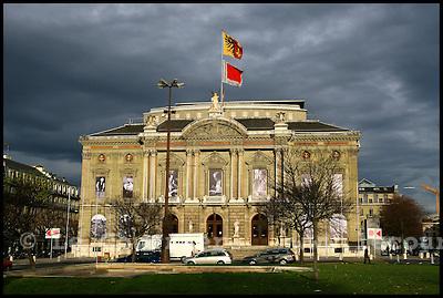 Genève, le 08.12.2006.Place neuve, Grand Théatre..© J.-P. Di Silvestro / Le Courrier