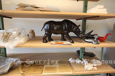 Genève, le 18.08.2010.Prison genevoise de Champ-Dollon..Atelier de terre cuite dans la zone réservée aux femme..© Jean-Patrick / Le Courrier