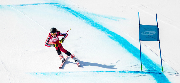 PyeongChang 11/3/2018 - Mel Pemble skis in the women's standing super-G at the Jeongseon Alpine Centre during the 2018 Winter Paralympic Games in Pyeongchang, Korea. Photo: Dave Holland/Canadian Paralympic Committee