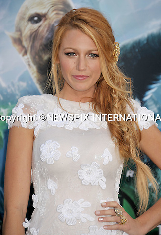 """BLAKE LIVELY.attends for the Los Angeles World Premiere of """"Green Lantern"""" at the Grauman's Chinese Theatre, Hollywood, California_15/06/201.Mandatory Photo Credit: ©Crosby/Newspix International. .**ALL FEES PAYABLE TO: """"NEWSPIX INTERNATIONAL""""**..PHOTO CREDIT MANDATORY!!: NEWSPIX INTERNATIONAL(Failure to credit will incur a surcharge of 100% of reproduction fees).IMMEDIATE CONFIRMATION OF USAGE REQUIRED:.Newspix International, 31 Chinnery Hill, Bishop's Stortford, ENGLAND CM23 3PS.Tel:+441279 324672  ; Fax: +441279656877.Mobile:  0777568 1153.e-mail: info@newspixinternational.co.uk"""