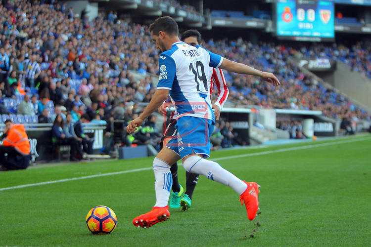 League Santander 2016/2017. Game: 11.<br /> RCD Espanyol vs Athletic Club: 0-0.<br /> Pablo Piatti vs Eneko Boveda.