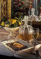 Gastronomie générale/Repas de Réveillon: Foie gras de canard aux haricots noirs pimentés servi avec un Meursault-Perrières