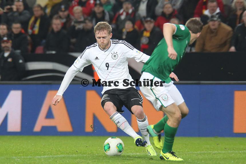 Andre Schürrle (D) setzt sich durch - WM Qualifikation 9. Spieltag Deutschland vs. Irland in Köln
