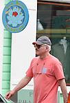 Steve Martin shopping in St Barth 01/08/2005