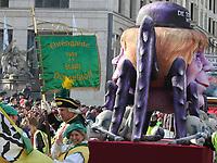 Images of Rose Monday at the Düsseldorf Carnival on the Königsallee, Düsseldorf, Nord Rhein-Westphalia on 12.2.18.<br /> <br /> Bilder von Rosenmontag beim Düsseldorfer Karneval auf der Königsallee, Düsseldorf, Nord-Rhein-Westfalen am 12.2.18.