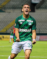 PALMIRA -COLOMBIA-23-07-2015. Rafael Santos Borre jugador del Deportivo Cali celebra un gol anotado a Uniautonoma  durante partido válido por la fecha 3 de la Liga Aguila II 2015 jugado en el estadio Palmaseca de la ciudad de Palmira./  Rafael Santos Borre player of Deportivo Cali celebrates a goal scored to Uniautonoma during match for the third date of the Postobon League II 2013 played at Palmaseca stadium in Cali city.  Photo: VizzorImage/ Nelson Rios /Cont