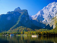 DEU, Deutschland, Bayern, Oberbayern, Berchtesgadener Land, Koenigssee, Wallfahrtskirche St. Bartholomae | DEU, Germany, Bavaria, Upper Bavaria, Berchtesgadener Land, Lake Koenigssee with pilgrimage church St. Bartholomae