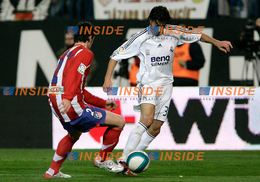 Atletico de Madrid's Giorgios Seitaridis against Real Madrid's Miguel Torres during Spain's La Liga match at Vicente Calderon stadium in Madrid, Saturday February 25, 2007. (INSIDE/ALTERPHOTOS/Alvaro Hernandez).