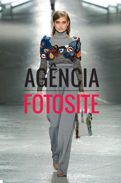 Rodarte<br /> Womenswear Fall Winter 2014 New York Fashion Week February 2014 Nova Iorque, EUA &ndash; 02/2014 - Desfile de Rodarte durante a Semana de moda de Nova Iorque - Inverno 2014. <br /> Foto: FOTOSITE